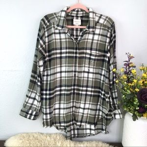 AEO Distressed plaid flannel oversized grunge fray